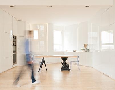 Flat N°3 |  White glass & milt effect
