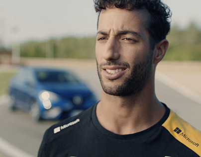 New Renault CLIO - Enjoy the moment w/ Daniel Ricciardo