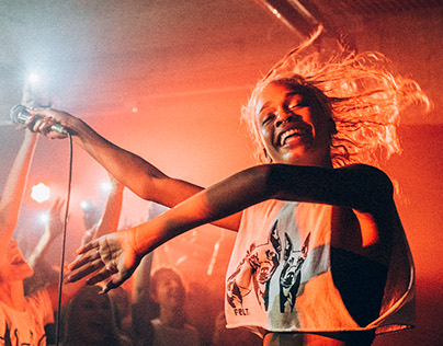 Abra Live in Sofia Boyscout magazine