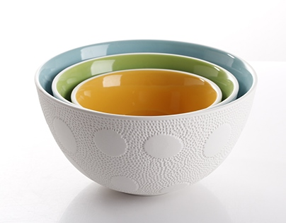 Nesting textured bowls