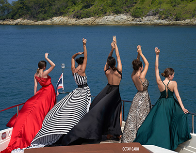 Girls, Dresses and Yacht