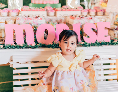 1 ano Monise