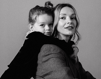 Polina Nenia with daughter for Bestinua