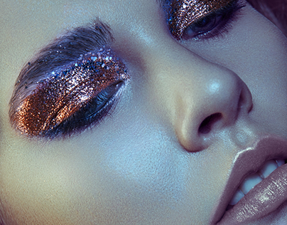 Beauty with colored light - Photo by: Verena Mandragora