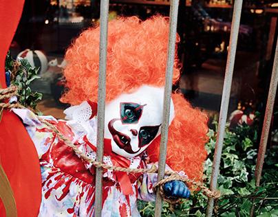 Creepy Clowns Halloween Display @ Hedonism Wines 2017