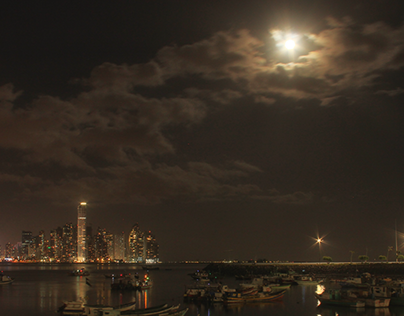Panama City: Bay View and Full Moon [TimeLapse]
