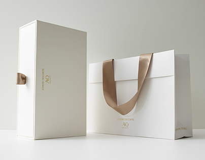 COSME DECORTE Gift Packaging