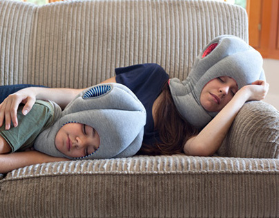 OSTRICH PILLOW ® JUNIOR / STUDIO BANANA THiNGS