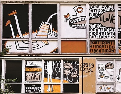 Comics in the window frames - Kunstrasen Festival