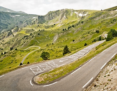 Curves Pyrenees