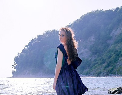 Girl at the sea  / Photosession
