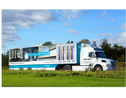 Mobile Innovation Showroom | Truck Wrap Design