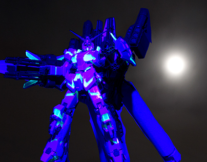 Gunpla in UV Light