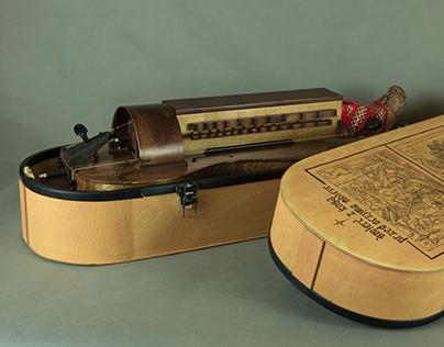 Hurdy-gurdy case