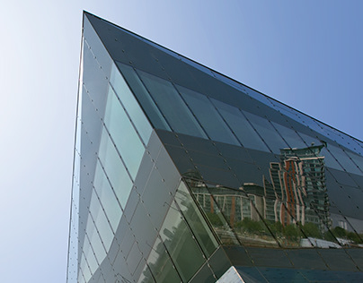 The Crystal: Building retouching
