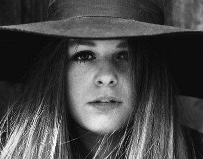 Lizzie Farrell Photoshoot