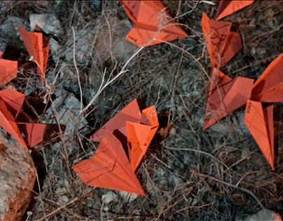 100 red paper airplanes or 100 years of Russian history