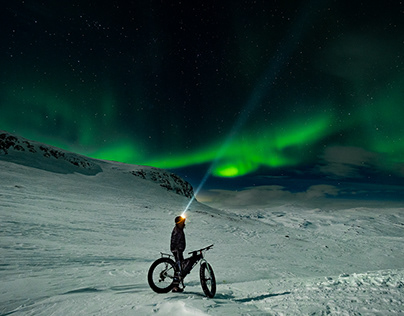 Kungsleden: Cycling under Aurora Borealis