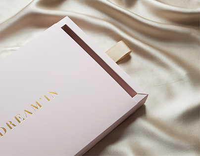 Dream'in_pure silk pillowcase branding