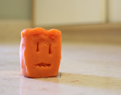 Frightened Cube- Stop Motion