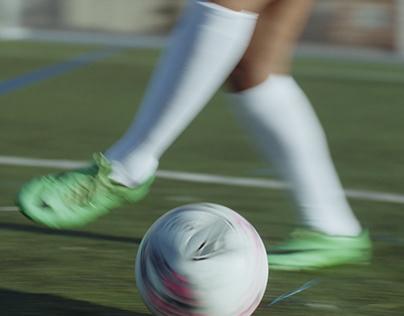 Glamour - Nike Womens Football