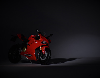 Studio Photography Ducati panigale 1199 scale model