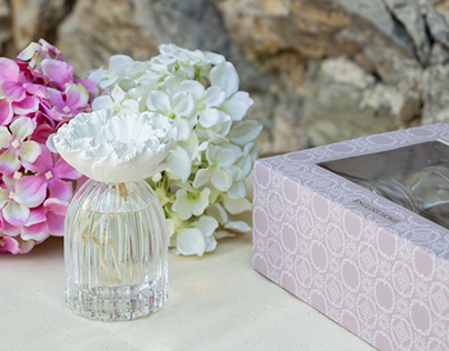 English Home Mother's Day Gift Set Diffuser & Candle