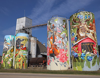 Silos for Putnamcountymuralproject in Greencastle, Ind