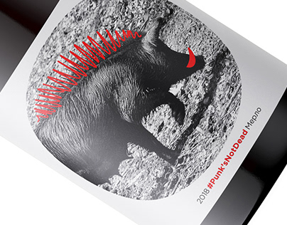 A hilarious wine label design for Lozeto wines