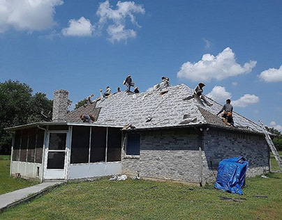 A Quick Guide While Installing A New Roof