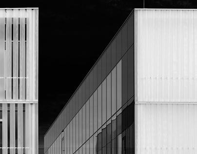 Architecture in B&W - I. - MOME