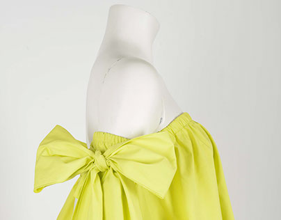 Off-the-shoulder popeline top with bows
