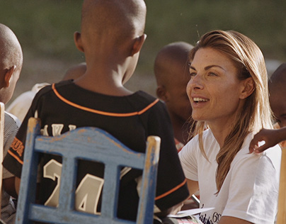Martina Colombari in Haiti