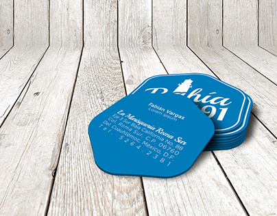 Two-tint identity for a local seafood restaurant