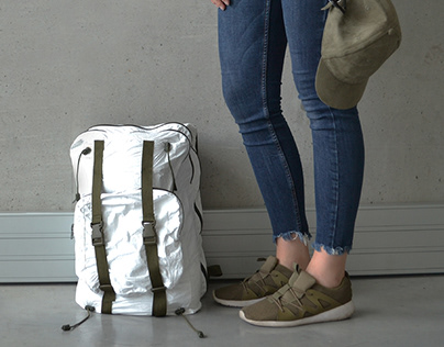 COMPRESS - tyvek backpack with volume control