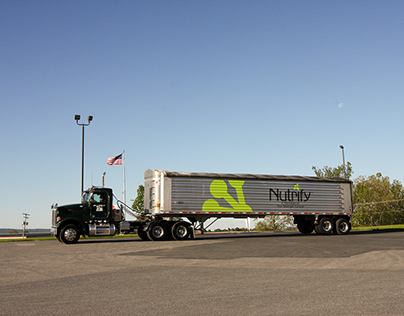 Tractor Trailer design for Nutrify