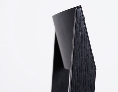 NEO chair Charcoal edition