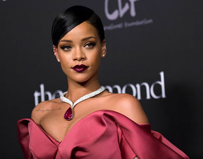 After Launching Acting Career, Rihanna Already in Searc