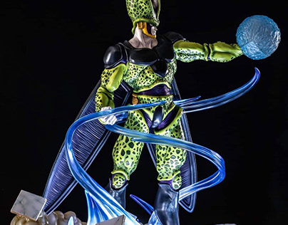Perfect Cell statue