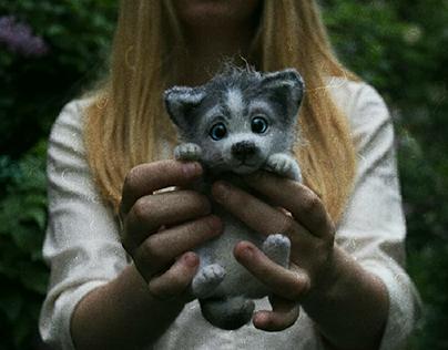 Husky toy. Щенок хаски по-имени Мило