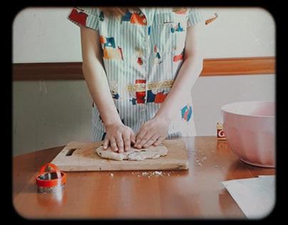 B-Roll Film : Baking in PJs