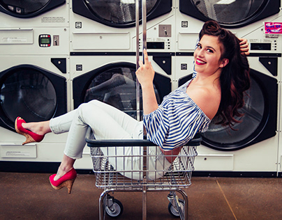 Meg - Laundromat
