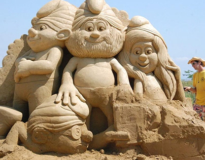 Cartoon Characters Sand Sculpture