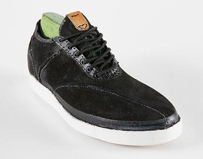 YD skate shoe