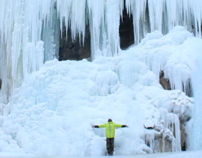 Walking on the frozen Zanskar River - Chadar Trek 2018