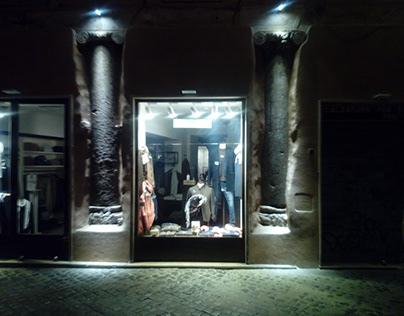 Illuminazione colonne del I Teatro Romano con Iteltele