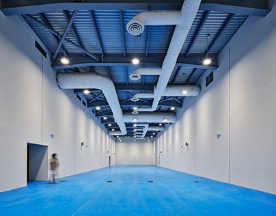 Al Qadsia Club's Multipurpose Sports Hall by Concrete