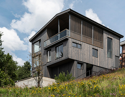 House on the slope | Norvex