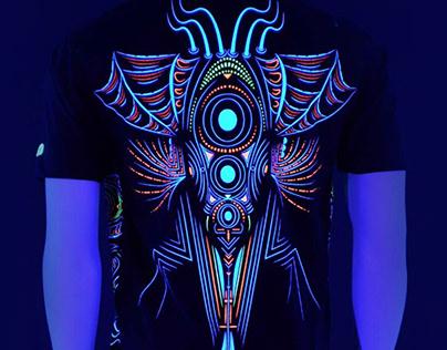 Psychedelic art printed t-shirt. (CYBERDALA)