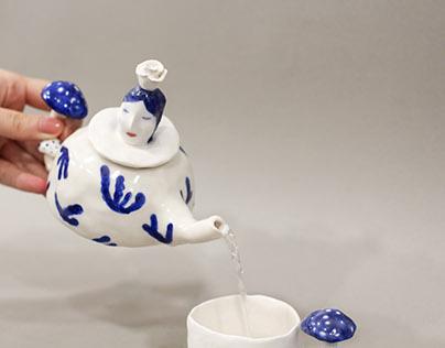 Ceramics | Teapot in Winderland